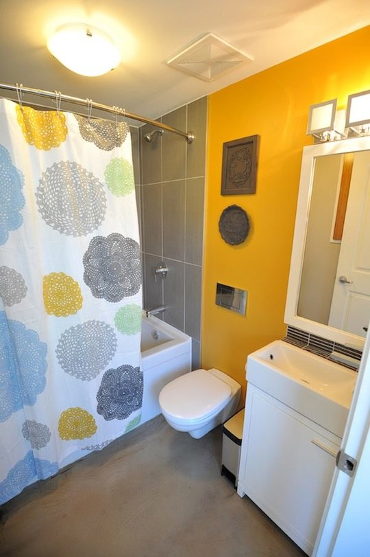 Bathroom in 500-square-foot Small House