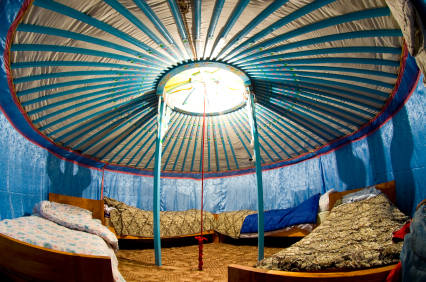 Yurt Homes - a look at traditional and modern yurt houses